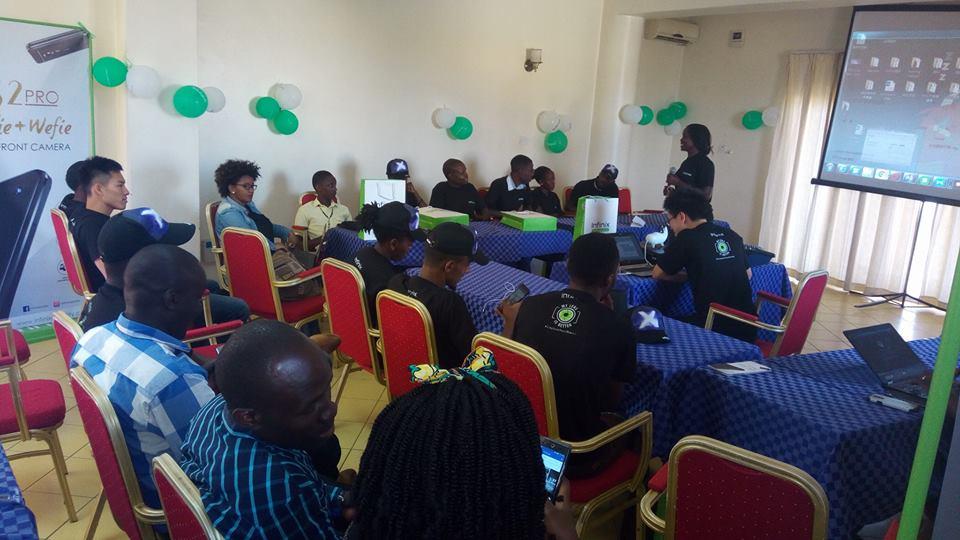 Infinix Mobile Meets Ugandan Fans Gives Rewards