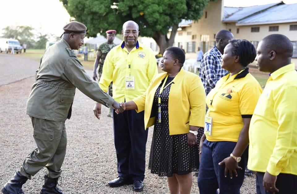 President Museveni greets NRM's topbrass at the ongoing NRM MPs retreat in Kyankwanzi.