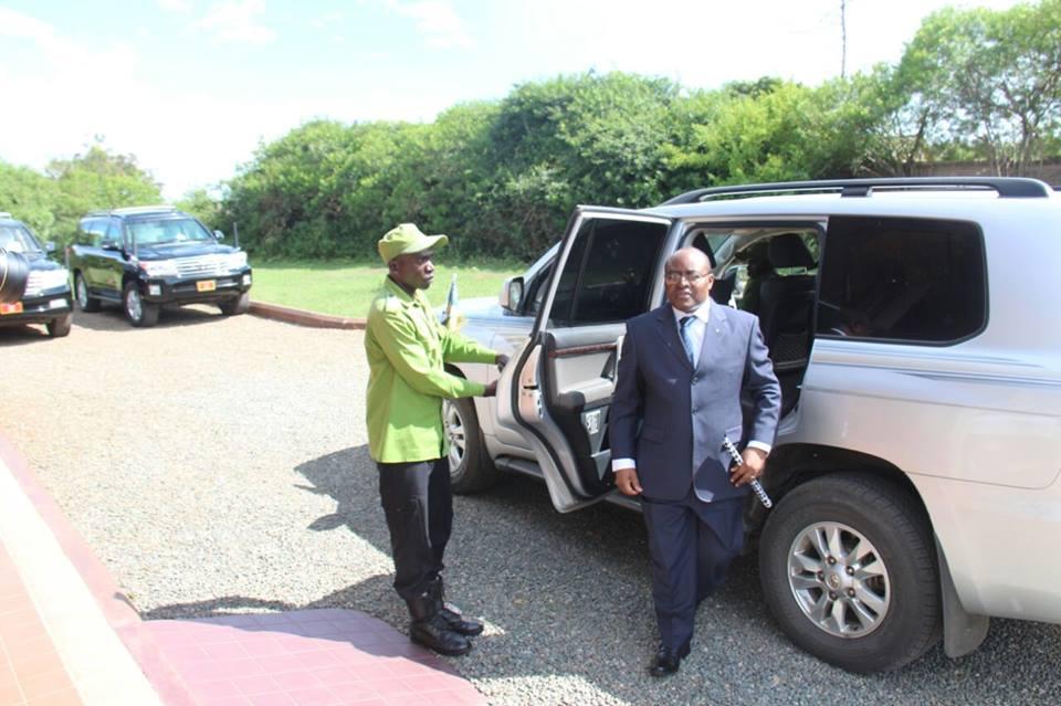Museveni meets Mumbere1