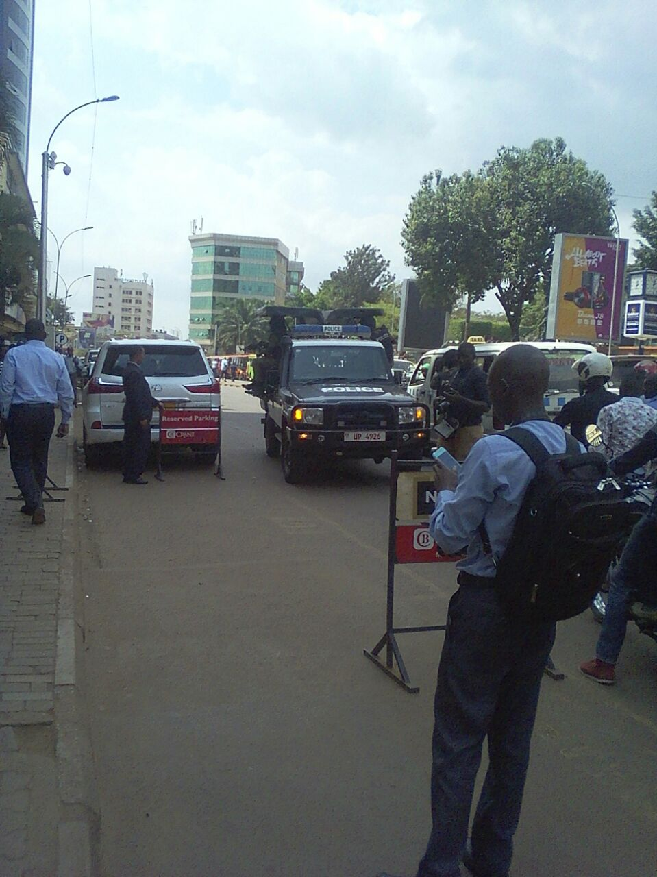 Police deploy at Crane Bank Head Office on Kampala Road.